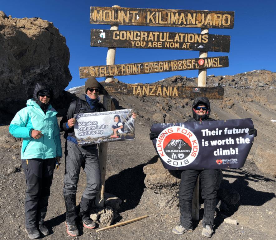 Alice-Skaff-as-she-reached-Stella-Point-on-Mount-Kilimanjaro.-Photo-via-WINK-News.