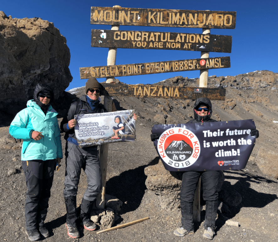 Alice-Skaff-as-she-reached-Stella-Point-on-Mount-Kilimanjaro.-Photo-via-WINK-News.