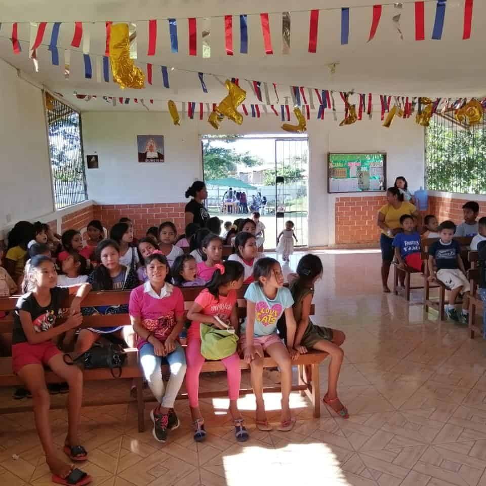 Refuge of Life Albergue Refugio de Vida Peru group kids